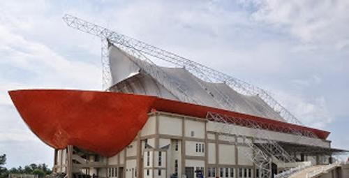Gor Kayuagung - Bangunan Unik - Perahu Kajang