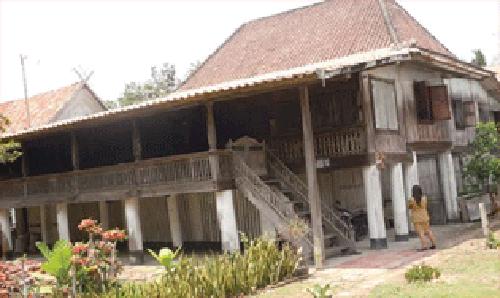 Wisata OKI Rumah Seratus Tiang