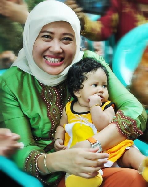 photo A. Ketua TP PKK OKI Ny. Lindawati Iskandar