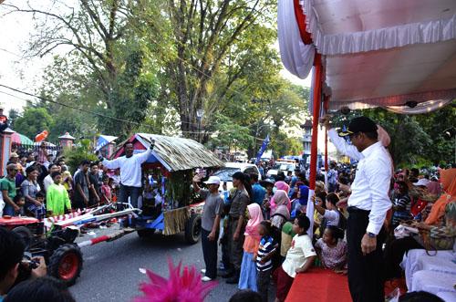 Karnaval Pembangunan---Kemeriahan Karnaval Pembangunan di OKI