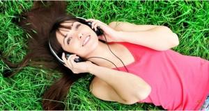 penelitian-menunjukkan-mendengarkan-musik-membuatmu-lebih-bahagia