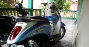 parkir motor di shoping center kayuagung