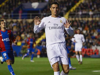 Cristiano Ronaldo yang jadi sorotan utama kekisruhan Real Madrid beberapa hari terakhir keluar sebagai bintang kemenangan atas Levante