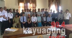 Foto Bersama Kepala Dinas Peternakan Dan Perkebunan OKI, CAFE-LPPM Institut Pertanian Bogor Dan Peserta Focus Group Discuison.