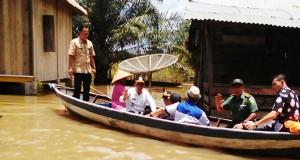 Iskandar Tinjau Korban Banjir