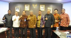 H Iskandar Percepat Pembangunan di Sumatera