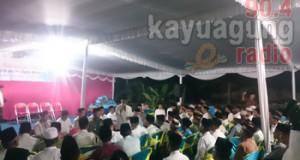 H. Iskandar SE berdialog dengan warga se-kecamatan kota kayuagung di desa muara baru.
